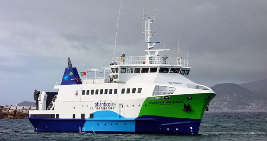 Barco de Atlantico line que conecta las islas Azores